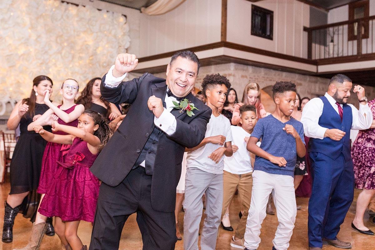 Guest dancing at Amanda and Edwin's wedding