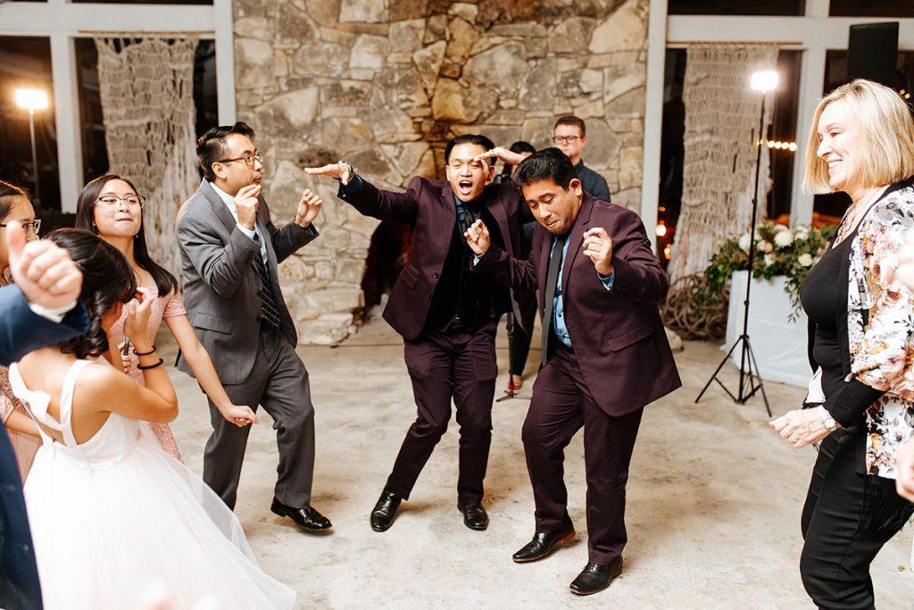 Guests dancing at Valeria and Thomas wedding